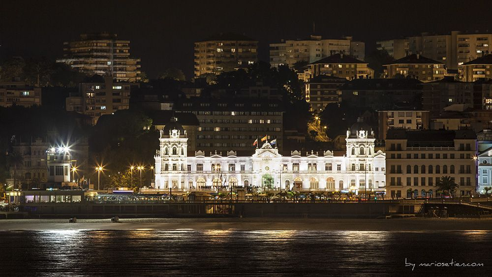 Iluminación Gran Casino Sardinero Santander Cantabria Fotografo Mario Setien