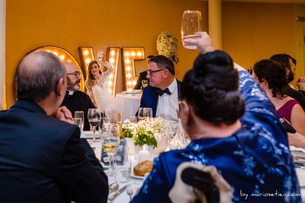 momentos importantes de la boda BANQUETE GRUPO Fotografo Boda Fotografos Bodas Santander Cantabria Villacarriedo Selaya Palacio Soñanes