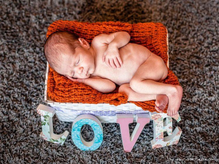 Fotografo reportaje niño bebe newborn Santander Cantabria Mario Setien