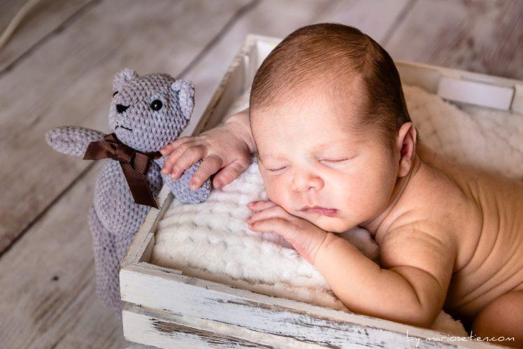 Fotografo reportaje niño bebe recien nacido newborn Santander Cantabria Mario Setien