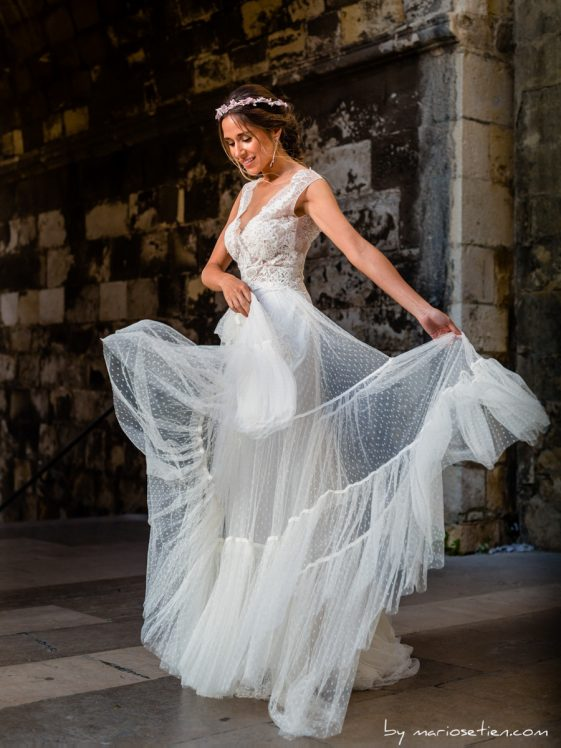 baile de novia con su vestido en la Catedral de Santander