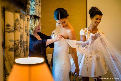 Preparativos de una novia para una boda en la Casona de las Fraguas en Cantabria