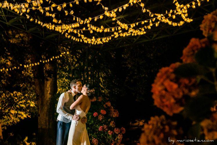 Baile nupcial en la pérgola de la finca de bodas de las Fraguas