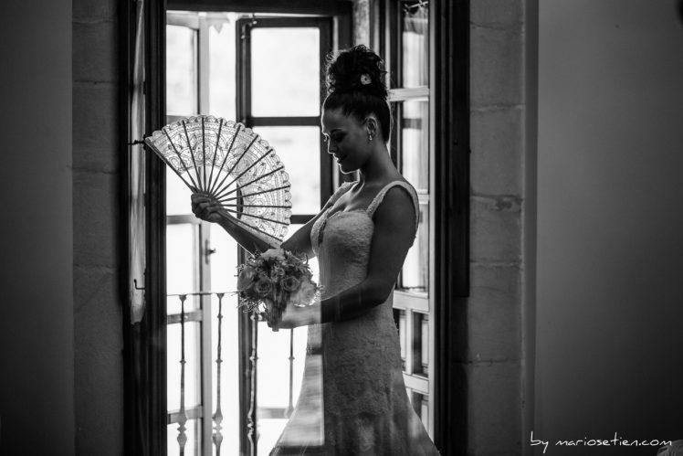 novia con los nervios a flor de piel antes de su boda en el Palacio de Caranceja