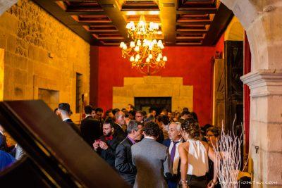 Cóctel en el interior del Palacio de Soñanes por la lluvia