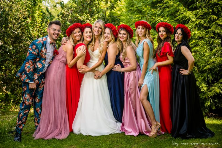 Grupo de amigas con la novia