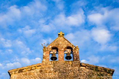 iglesia de Caviedes en Cantabria