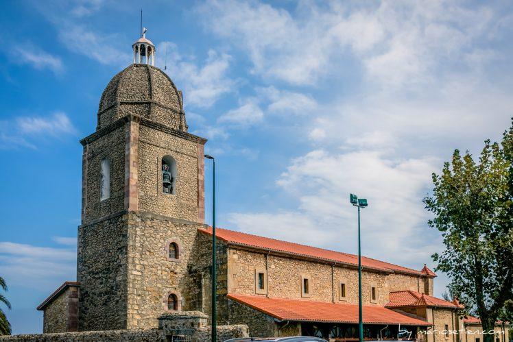 Iglesia de las Lindes de Suances desde el exterior