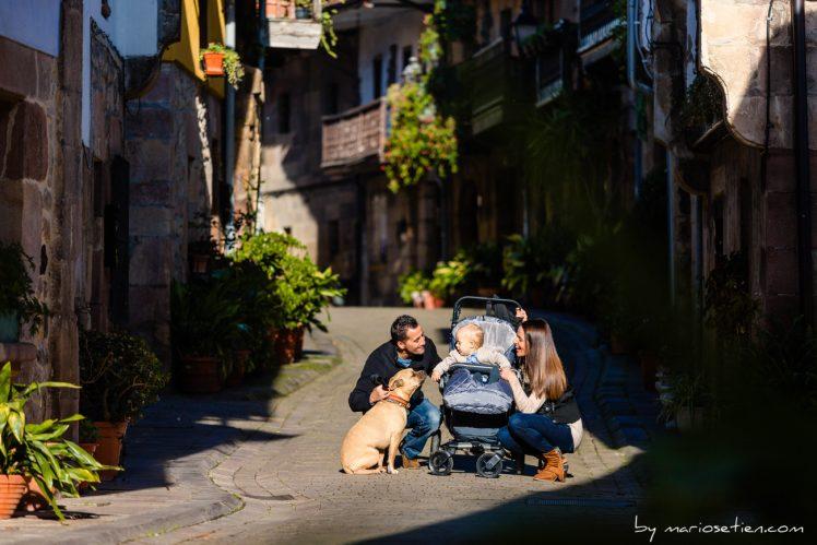 Familia en una sesión de fotos en Santiago de Cartes